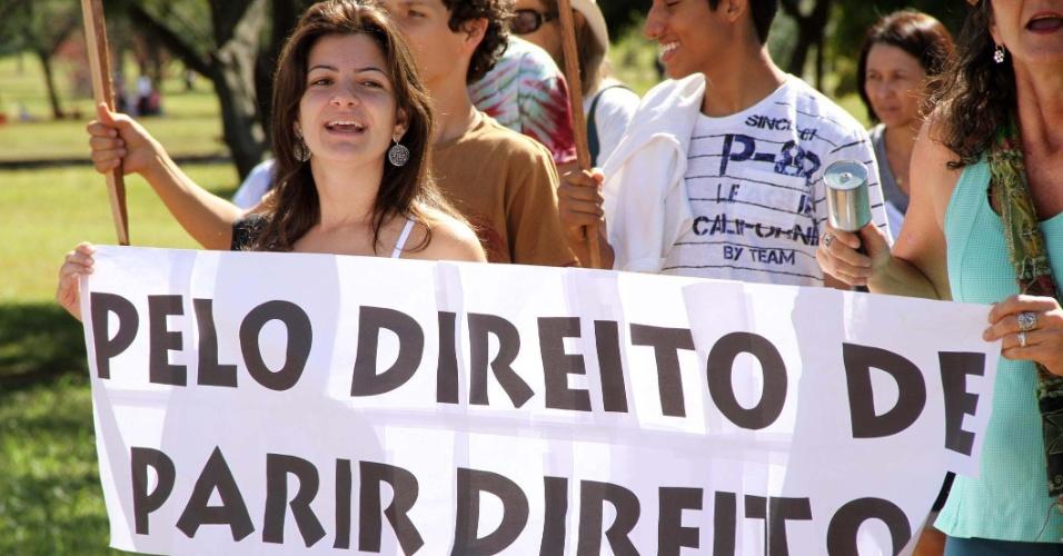 marcha-do-parto-em-casa-reune-cerca-de-400-pessoas-na-manha-deste-domingo-17-no-parque-da-cidade-em-brasilia-df-1339953601708_956x500